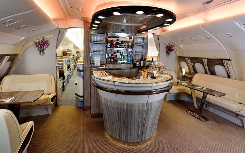 نحوه سرو انواع غذا در هواپیما با پرواز فرست کلاس