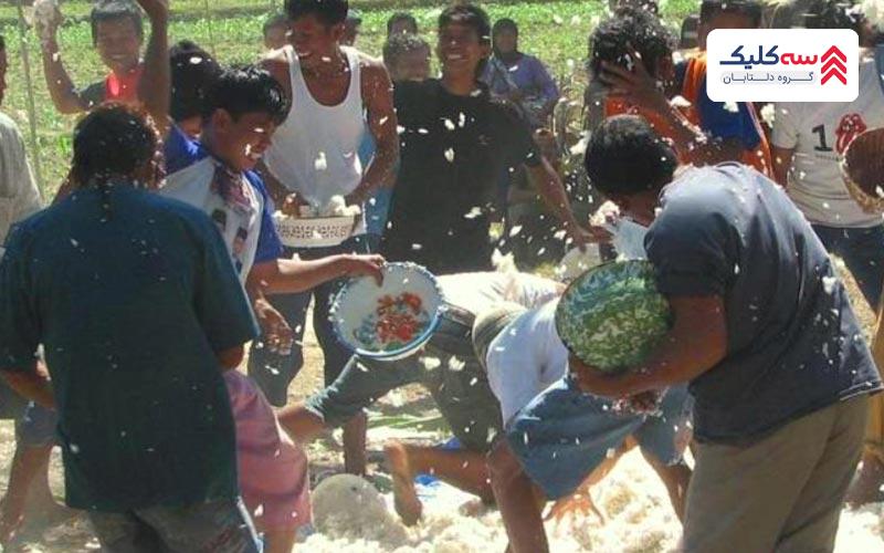 جنگ برنج از رسو و رسوم عجیب و غریب اندونزی