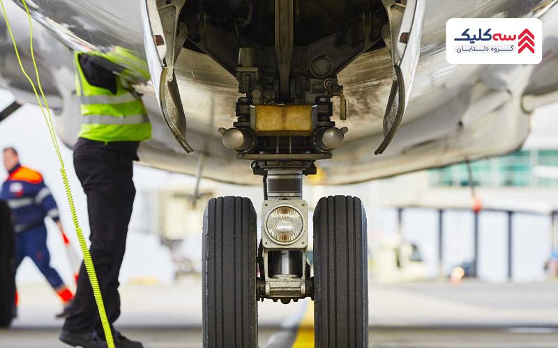 تصویری از چک کردن هواپیما